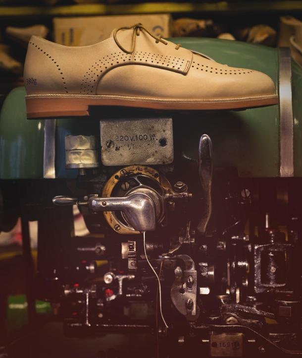 Gram Shoes, Sneaker